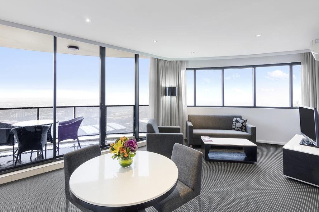 Meriton Serviced Apartments Kent Street Sydney - World ...